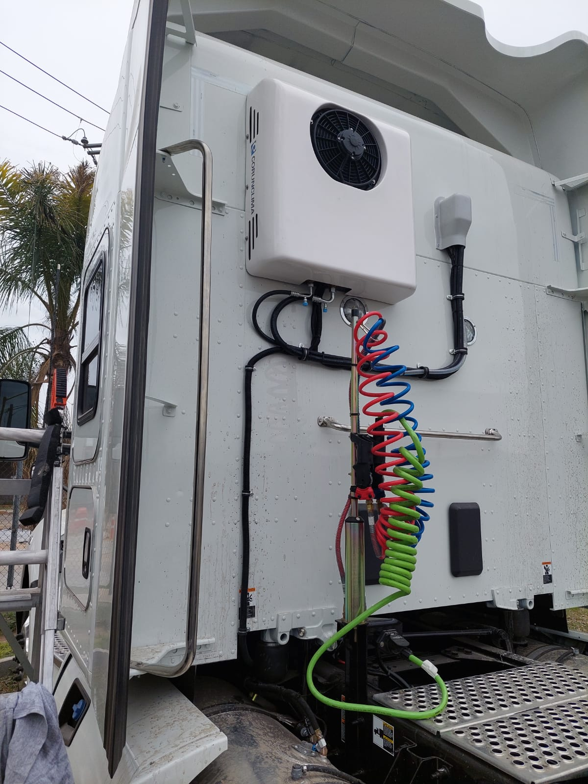 One more Electric APU installed on trailer in Mexico